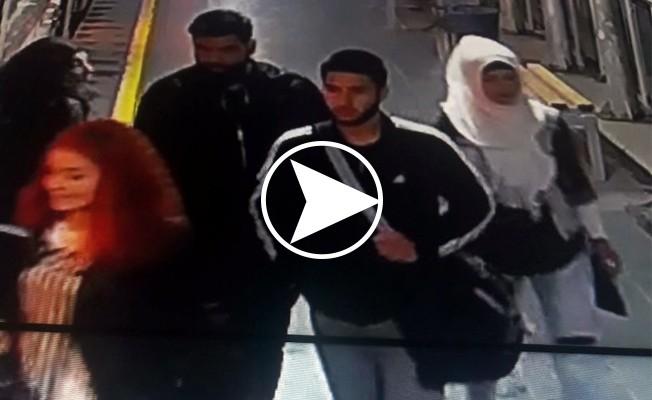 Tramvayda İnsanlık Dersi Veren Genç Yalın Ayak Görüntülendi