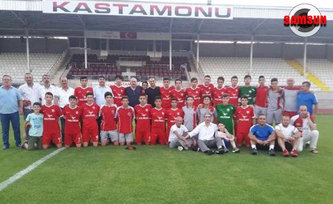 Türkiye Şampiyonu Kadıköyspor`a coşkulu karşılama