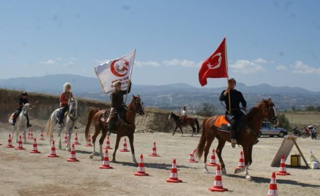 Vezirköprü`de atlı okçuluk gösterisi gerçekleştirildi