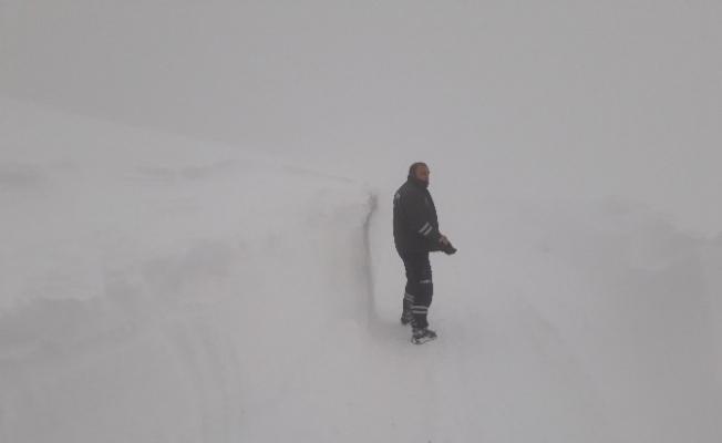 YEDAŞ ekiplerinin karla mücadelesi sürüyor