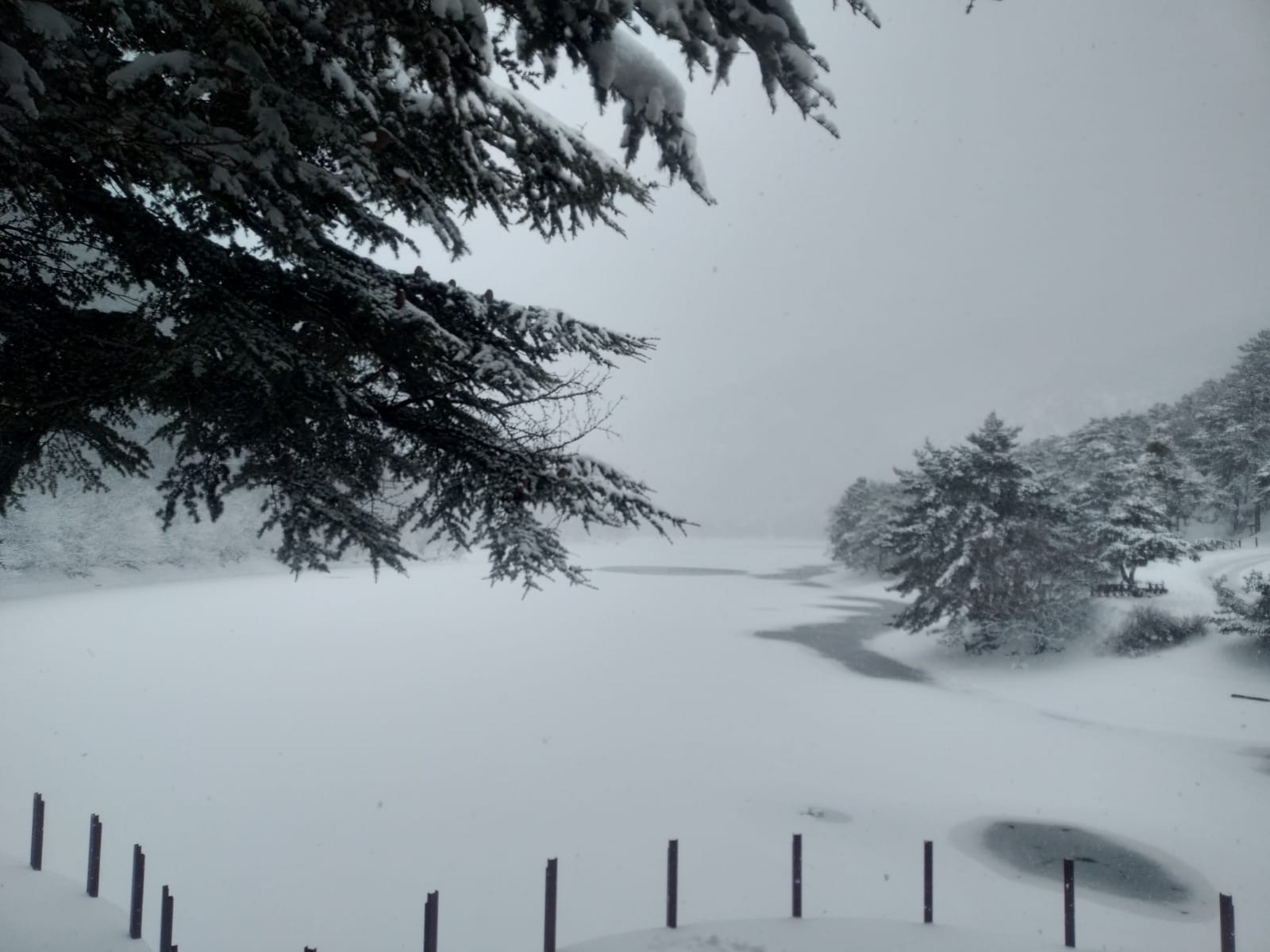 Borabay gölü buz tuttu ortaya bu görüntüler çıktı