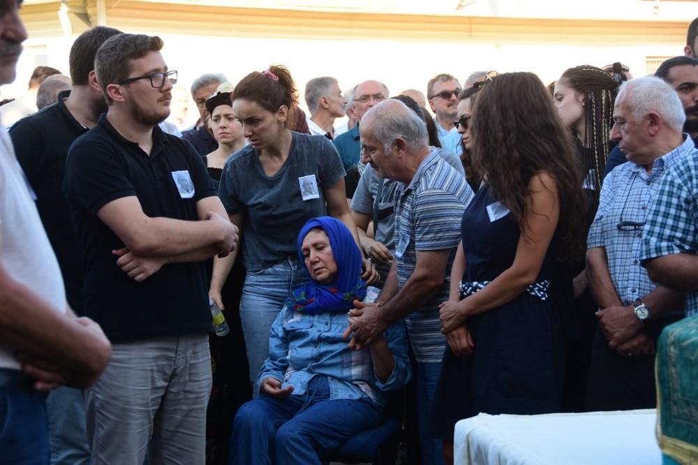Merhum Dekan Taşmektepligil gözyaşlarıyla memleketine uğurlandı