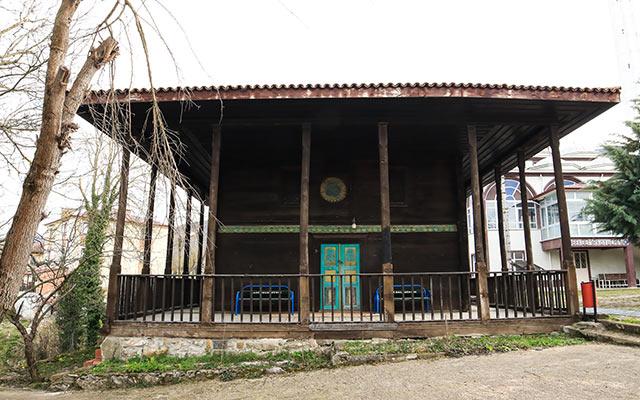 Samsun'un 'Kök boyalı' camisi