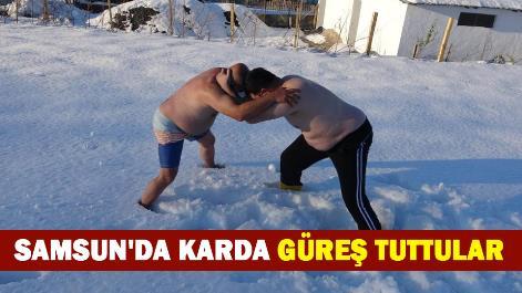 Samsun'da karda güreş tuttular