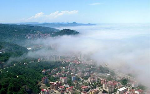 Karadeniz'de sisli hava etkili oldu