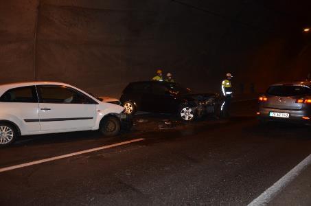 Tünel girişinde kaza: 3 yaralı