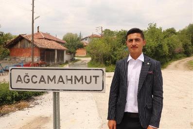 18 yaşına yeni girdi, Türkiye'nin en genç muhtarı seçildi